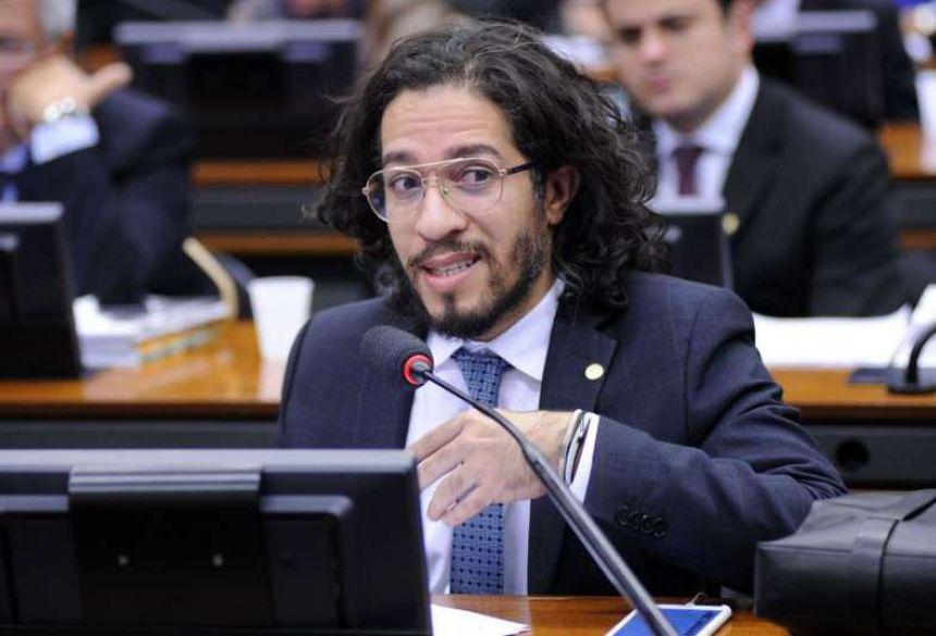 Jean Wyllys renuncia mandato e deixa o Brasil após ser ameaçado de morte