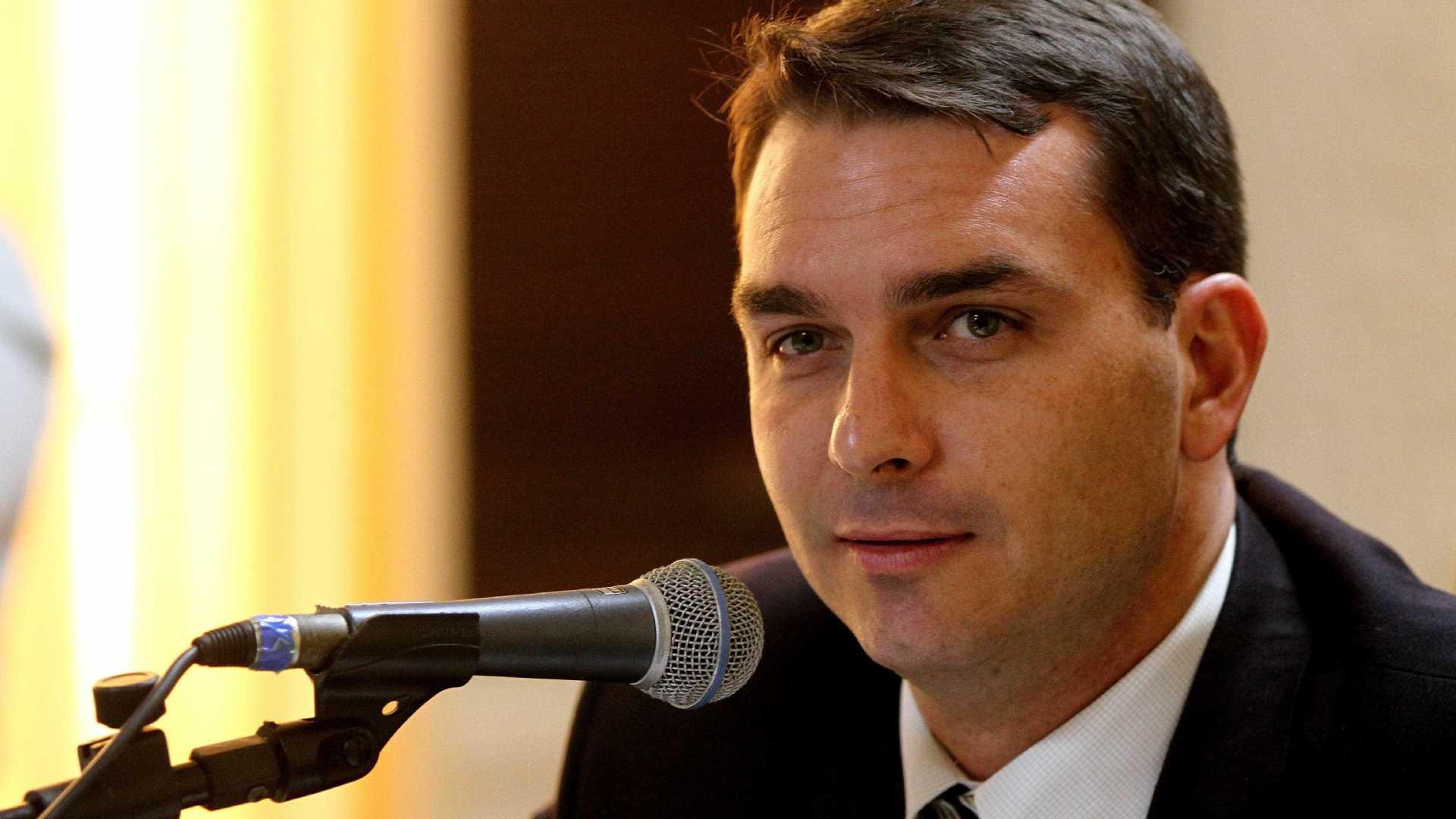 Marco Aurélio libera MP do Rio a investigar Flávio Bolsonaro