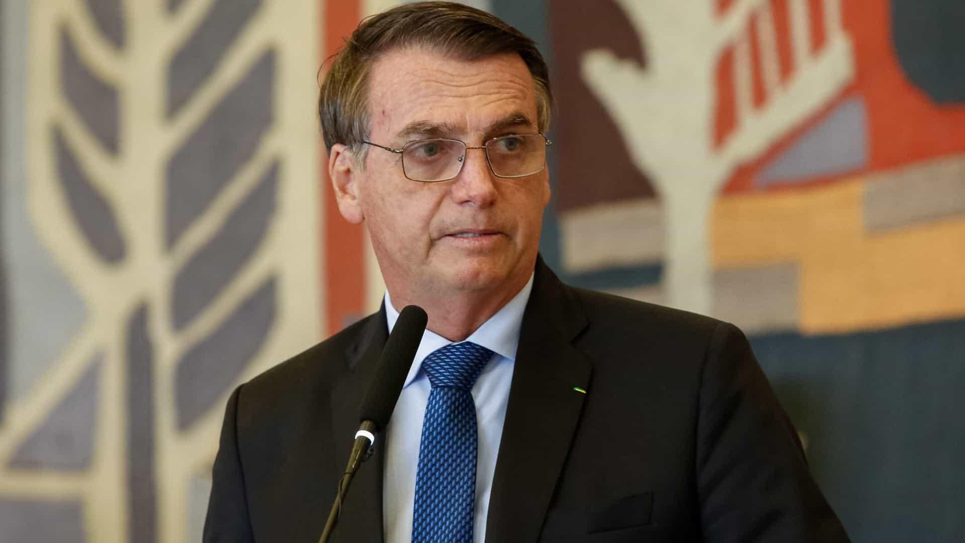 Bolsonaro anuncia a 'Lava Jato da Educação': 'Há algo de muito errado'