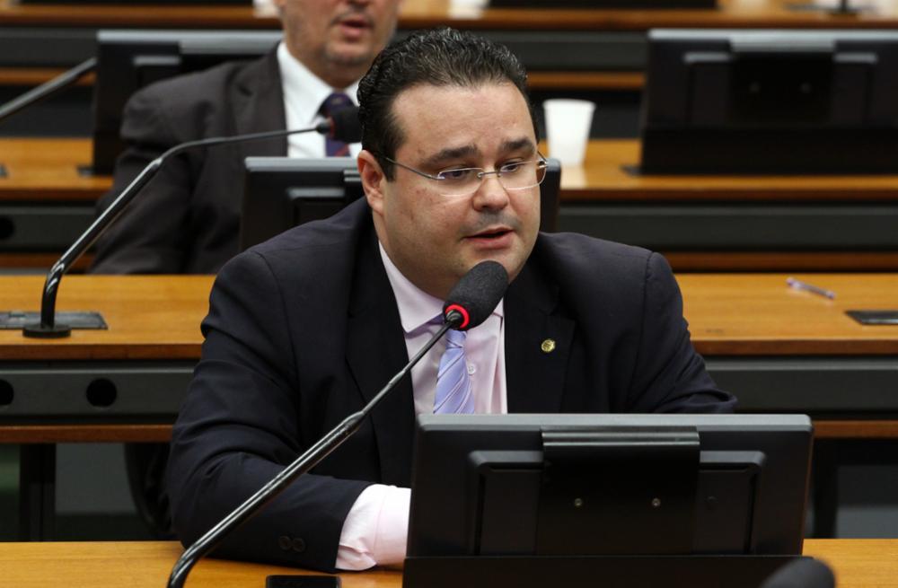 Fábio Trad é o 1º de MS a votar a favor da Reforma da Previdência e maldades afins