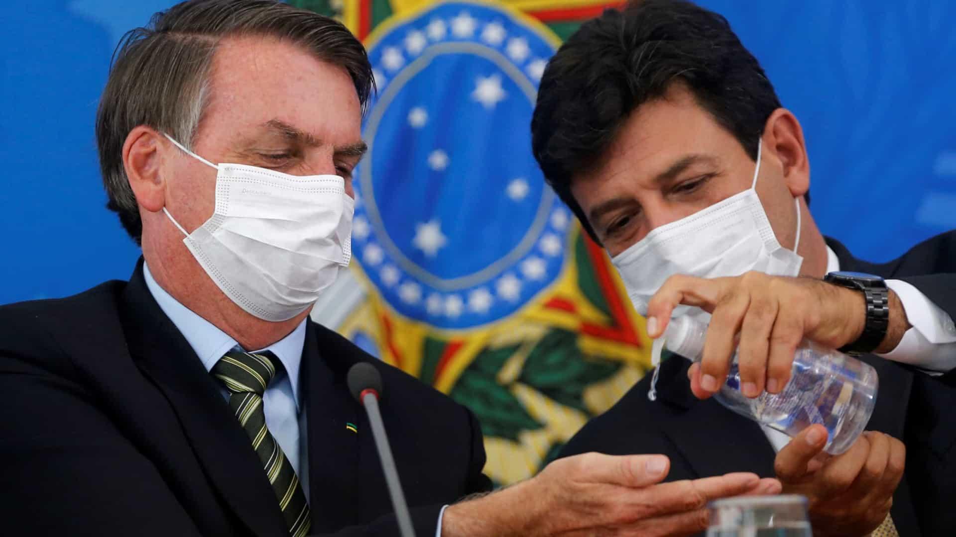Servidores prepararam até homenagem pra Mandetta, mas Bolsonaro teria recuado sobre demissão