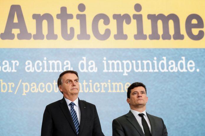 MORO PEDE DEMISSÃO e lamenta: 'Bolsonaro tinha prometido carta branca para combater corrupção'
