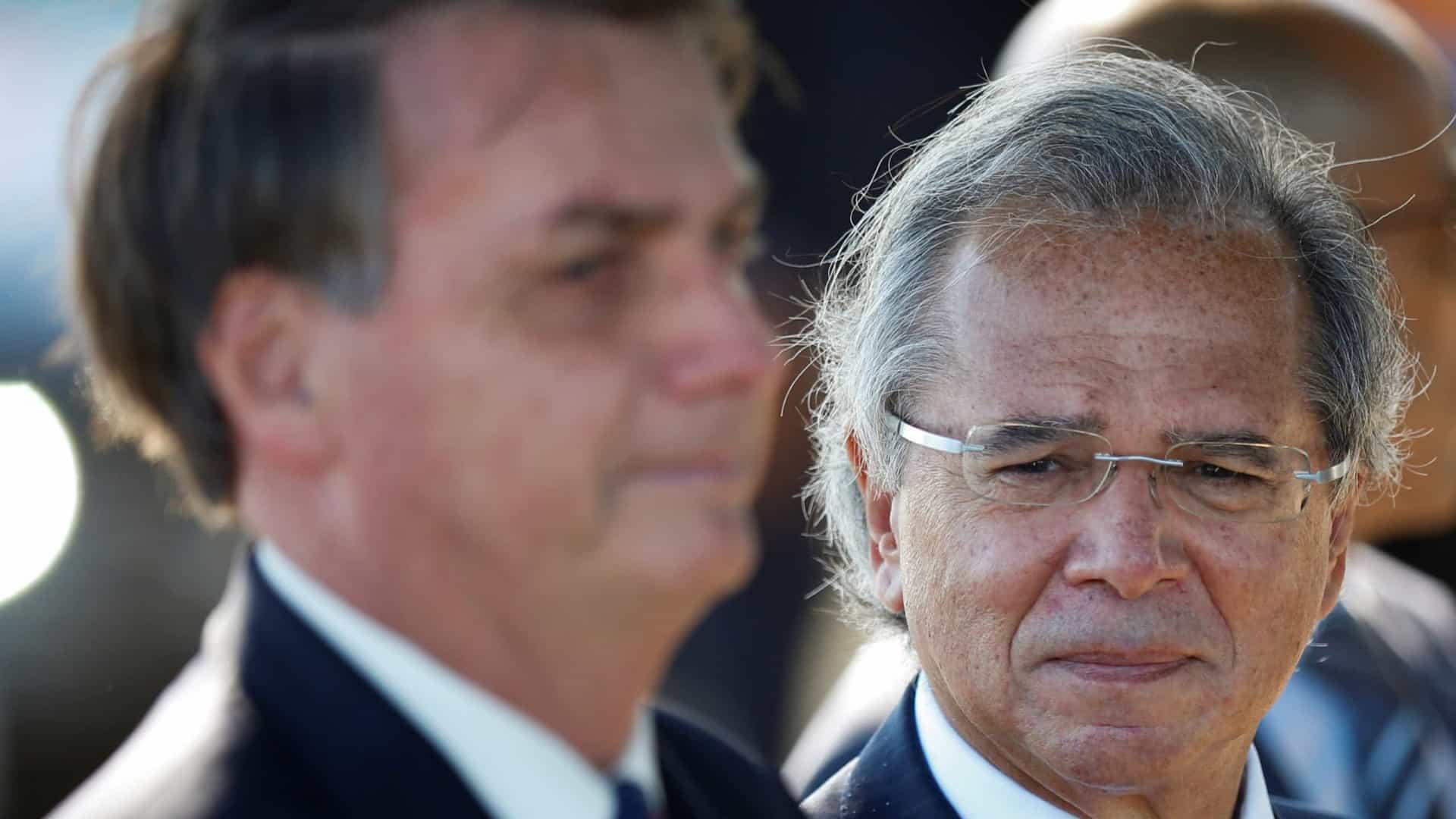 Bolsonaro confirma auxílio emergencial com valor abaixo de R$ 600