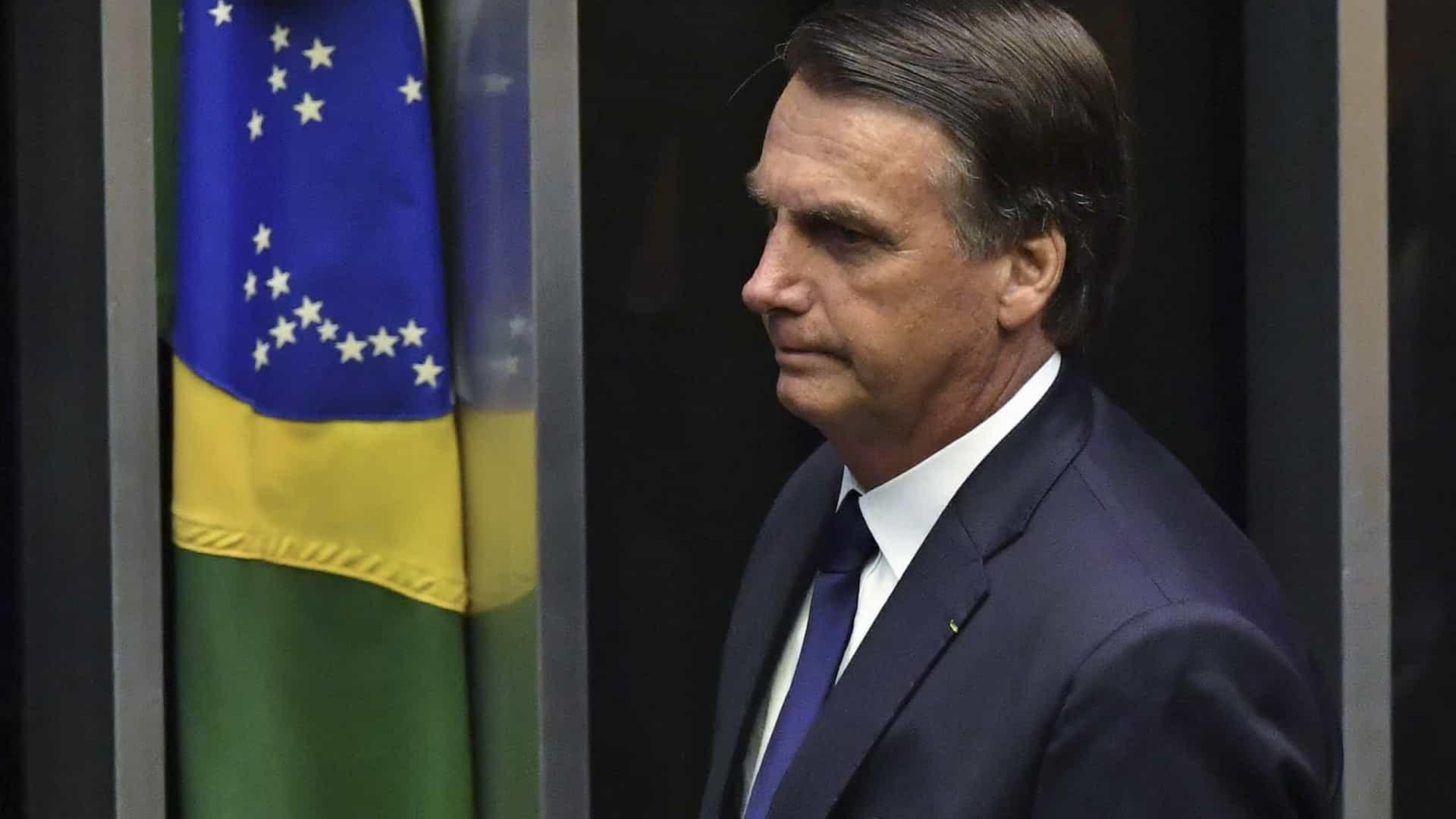 Bolsonaro responsabiliza governadores por combate à covid-19